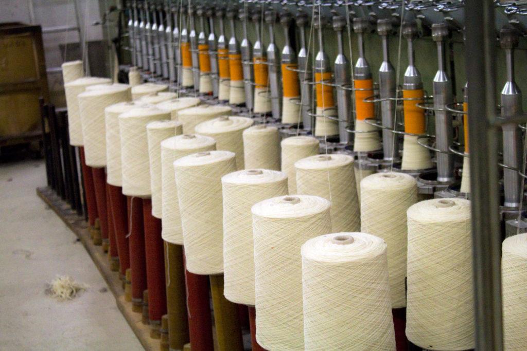 "filage 4 1024x683 - Fonty : la filature ""Made in Creuse"""