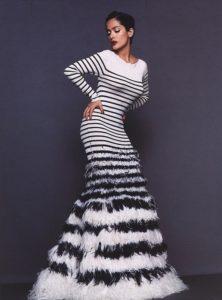 robe jp gaultier 222x300 - Inspiration Marinière : du matelot à nos tricots
