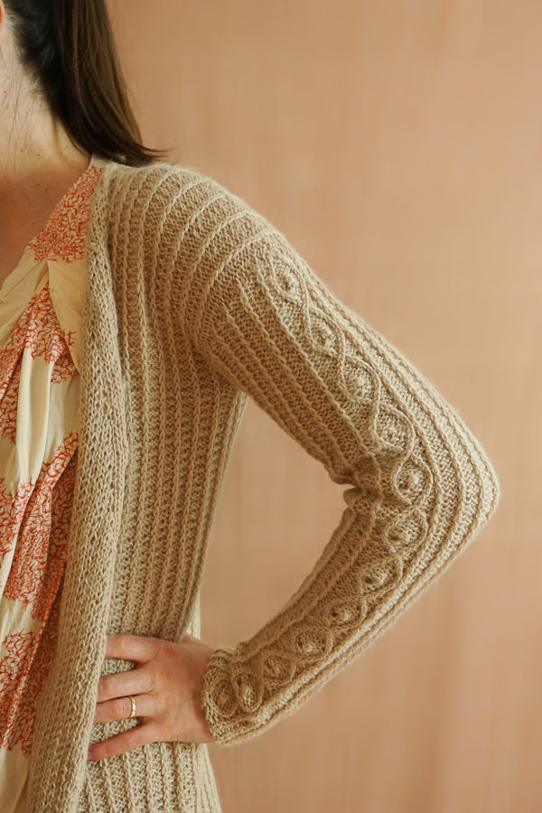 photos embrace cardigan colsweet chaud 11 600x900 - Embrace Cardigan