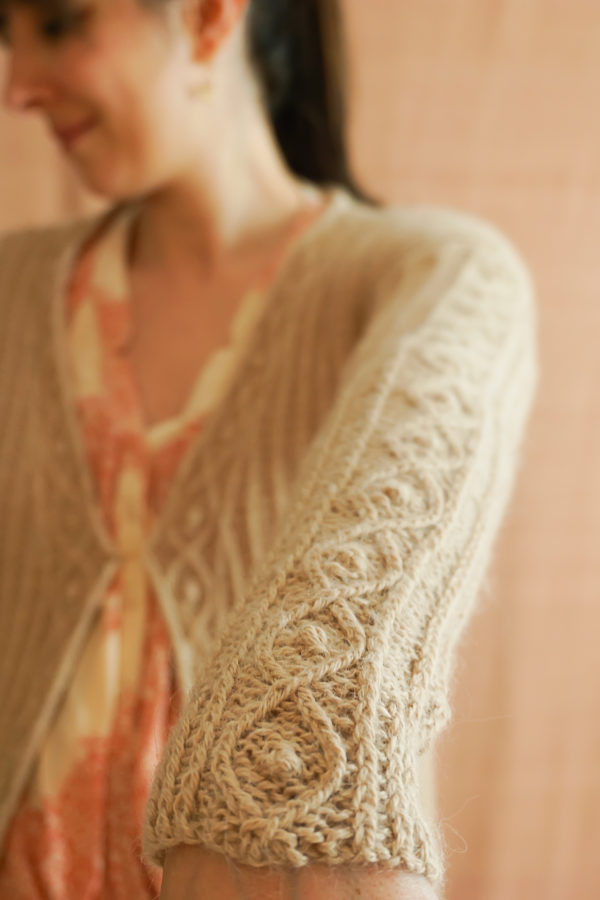 photos embrace cardigan colsweet chaud 12 600x900 - Sweet Collection