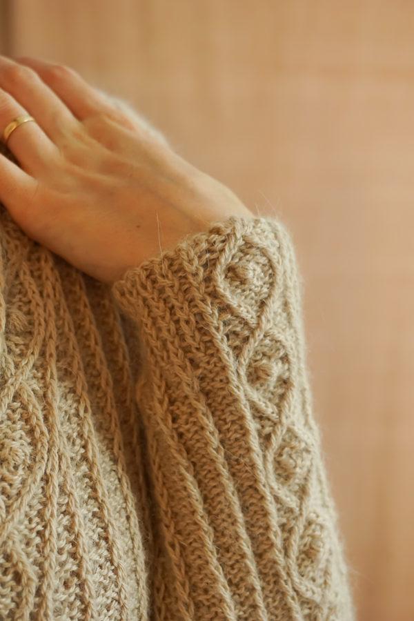 photos embrace cardigan colsweet chaud 16 600x900 - Embrace Cardigan