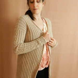 photos embrace cardigan colsweet chaud 17 300x300 - Embrace Cardigan