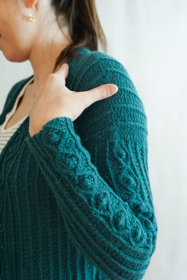 photos embrace cardigan colsweet froid 13 600x900 - Embrace Cardigan