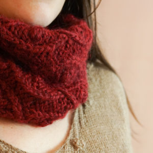 photos embrace set colsweet chaud 1 300x300 - Embrace Cowl