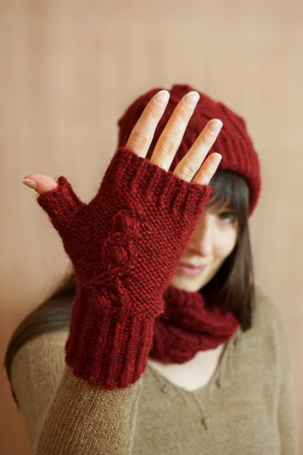 photos embrace set colsweet chaud 5 600x900 - Embrace Mitts