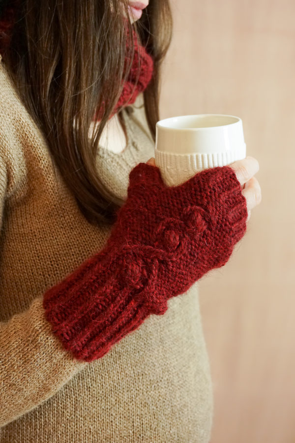 photos embrace set colsweet chaud 7 600x900 - Embrace Mitts