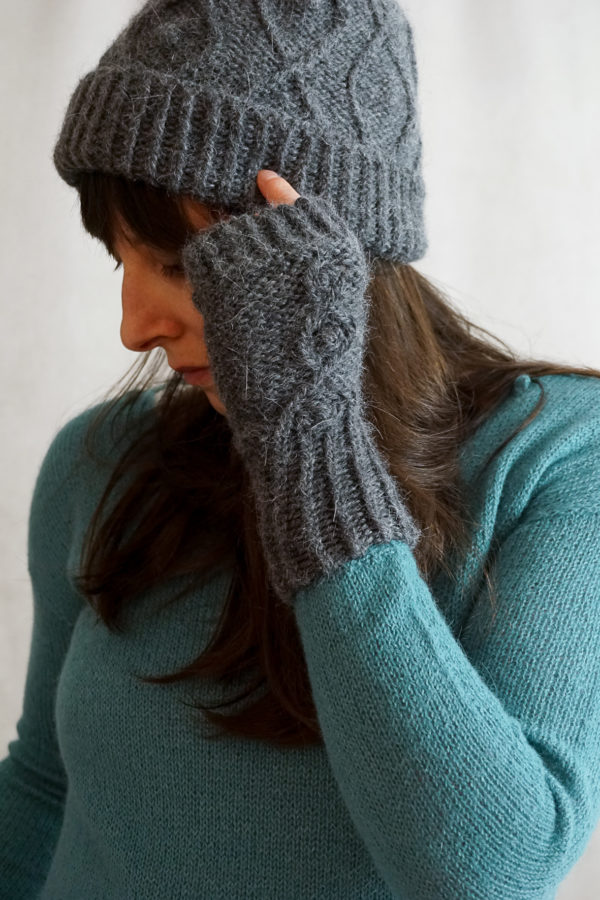 photos embrace set colsweet froid 3 600x900 - Embrace Mitts