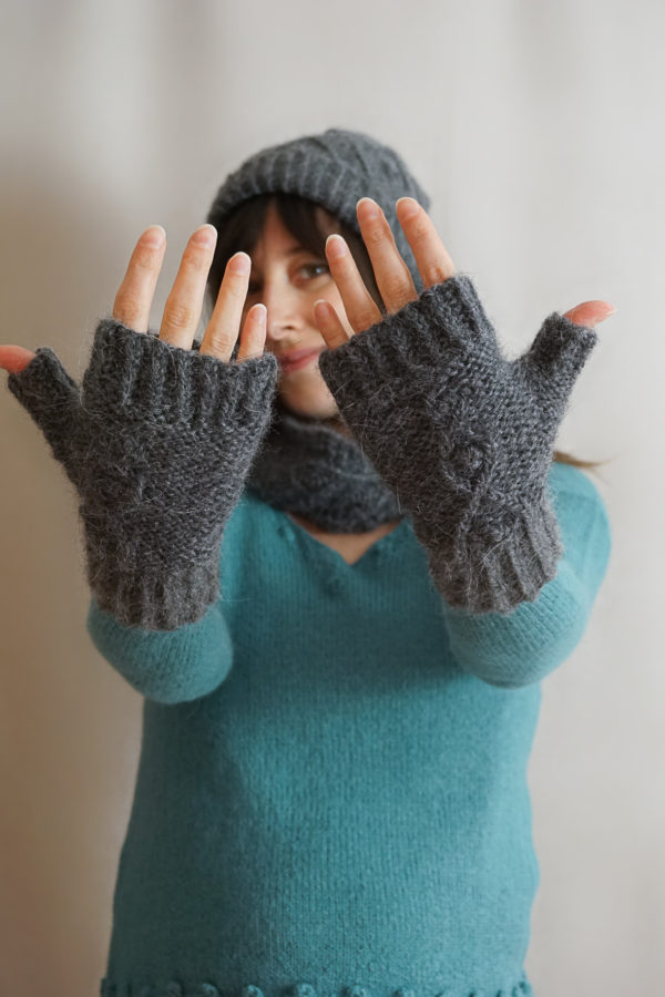 photos embrace set colsweet froid 7 600x900 - Embrace Mitts
